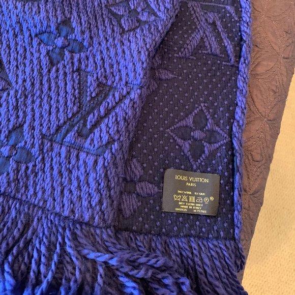 Louis Vuitton Accessories - Logomania scarf
